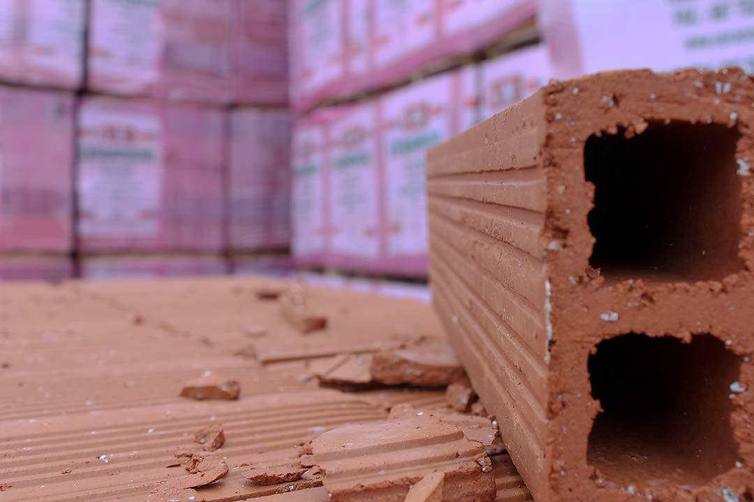 Materiales de construcci n el ladrillo bloques cando - Ladrillos de hormigon ...