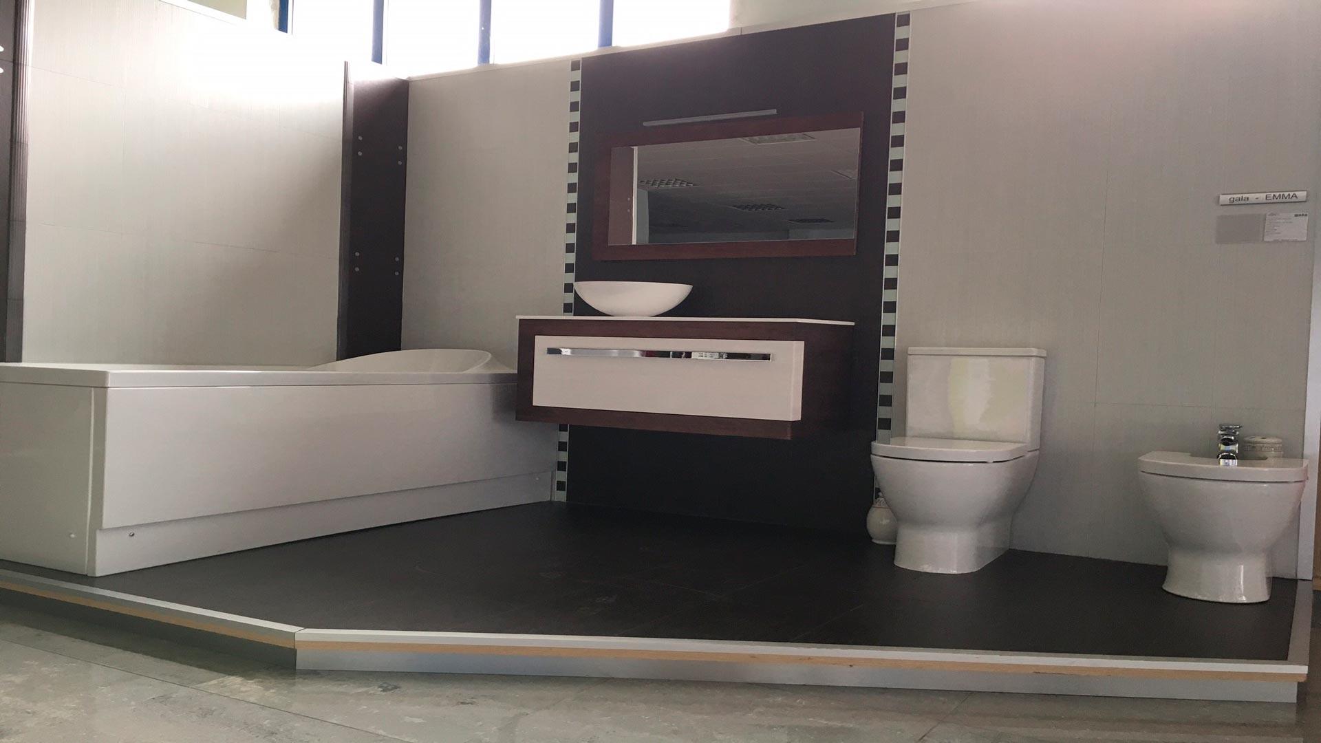 Nuevo mueble para nuestra exposici n for Muebles de exposicion baratos