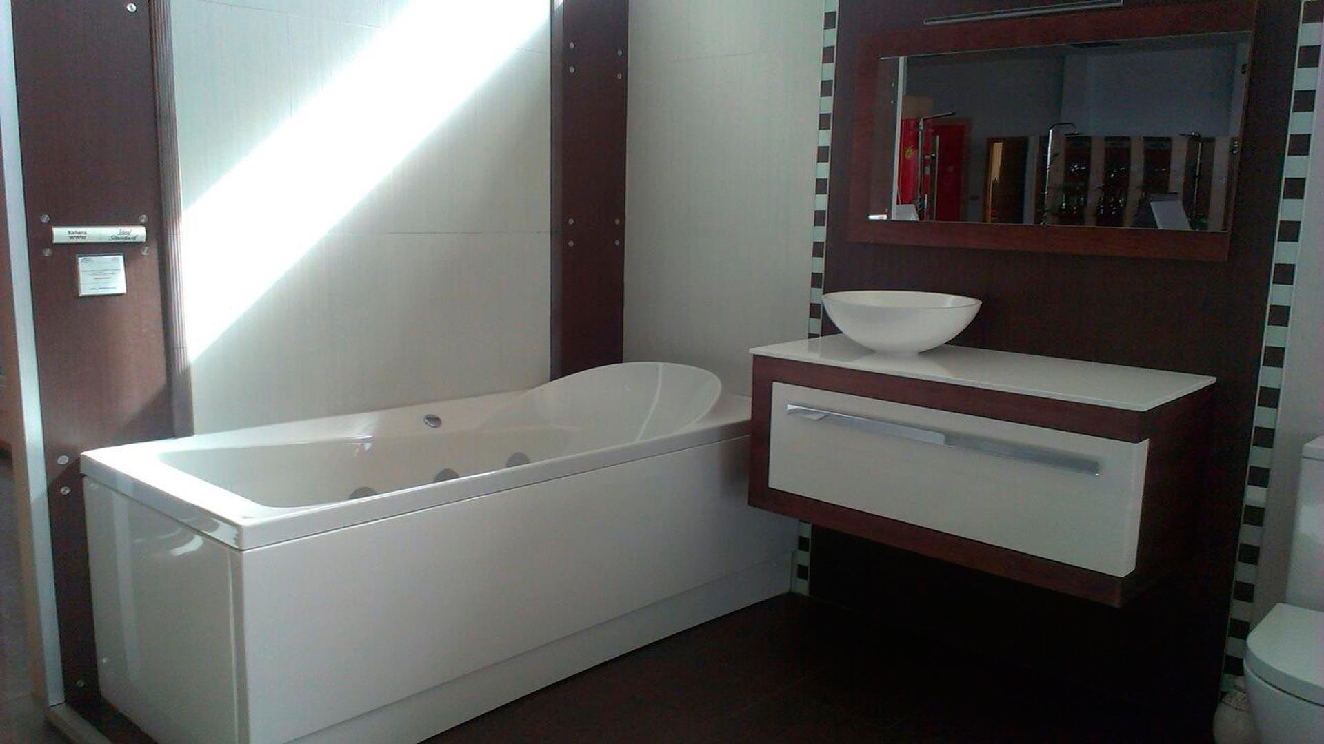 Nuevo mueble para nuestra exposici n for Muebles exposicion