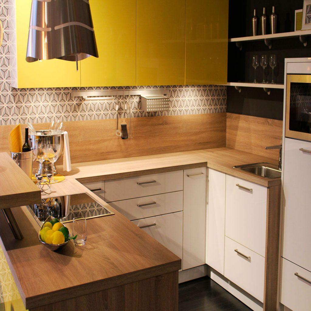 Cu l es el mejor color para pintar una cocina - Pintar encimera cocina ...